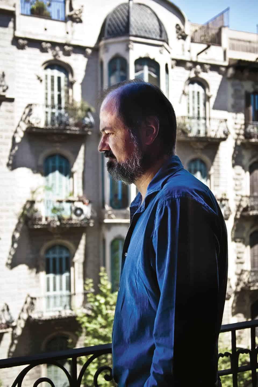 Juan Villoro de perfil