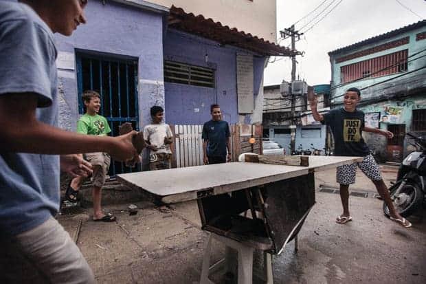 vida en las favelas de río de janeiro