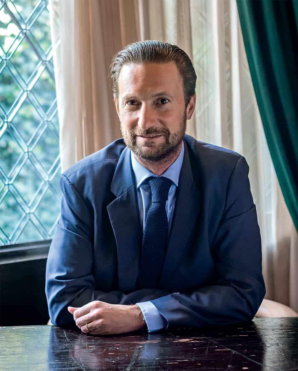 Rodolphe de Lapeyrouse es embajador del coñac exclusivo Louis XIII.