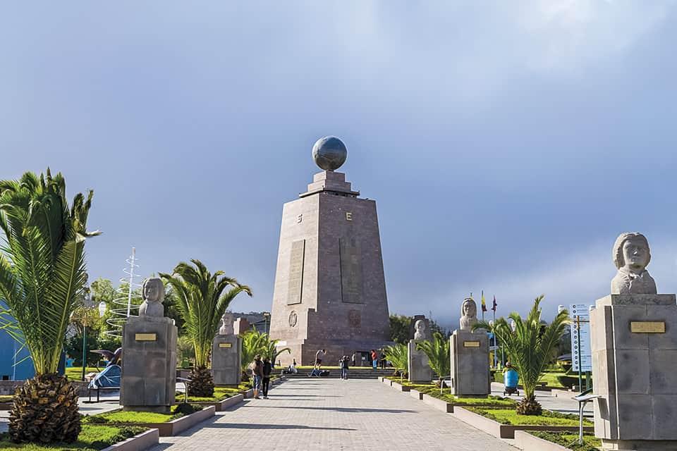 Monumento oficial en Ciudad Mitad del Mundo.