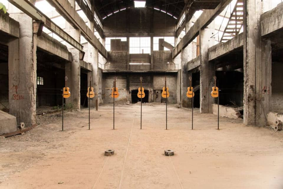 Instalación de Sebastián Jatz (Chile) en ex Fundición Sima-Metalco.