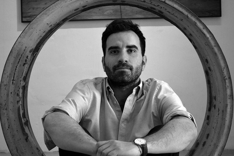 El artista sonorense Juan Carlos Coppel documenta el lado romántico del campo mexicano.