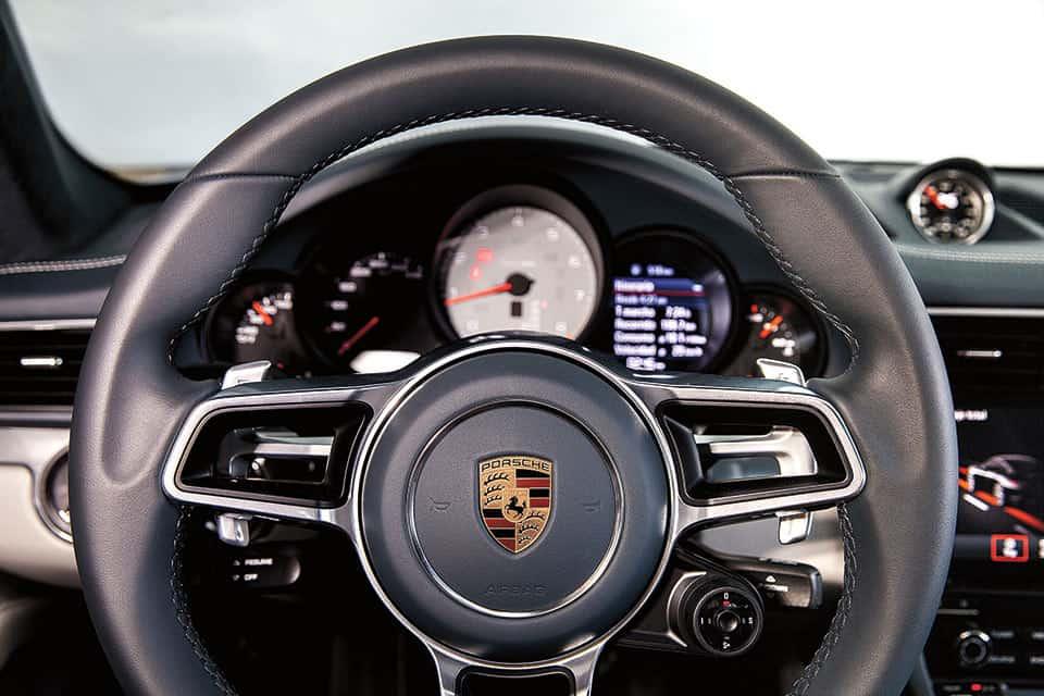 Porsche170_int1
