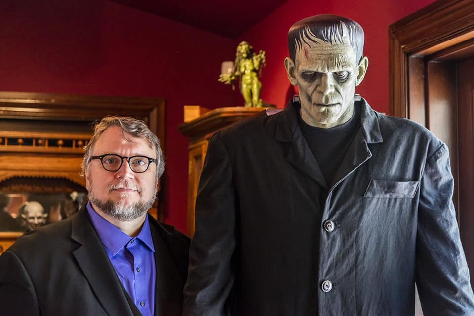 Guillermo del Toro y monstruo de Frankenstein