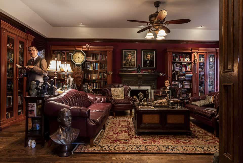 Interior Bleak House, Guillermo del Toro
