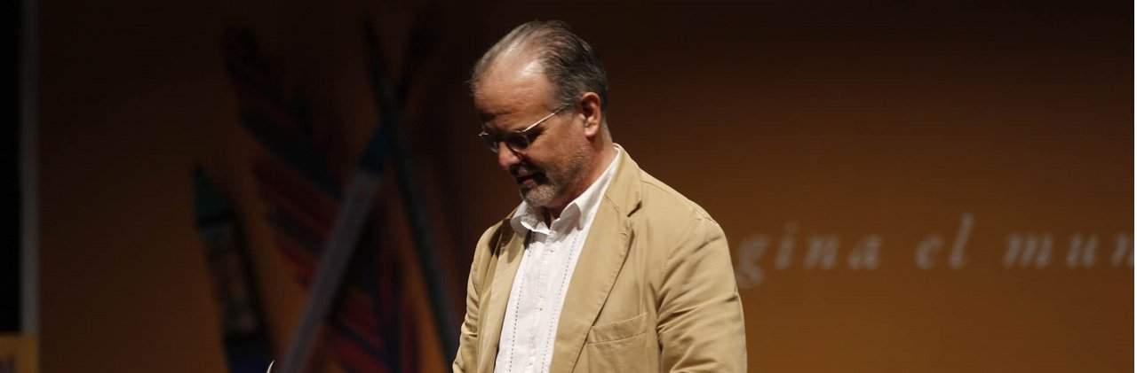 Portadilla Carloz Frans Hay Festival Querétaro