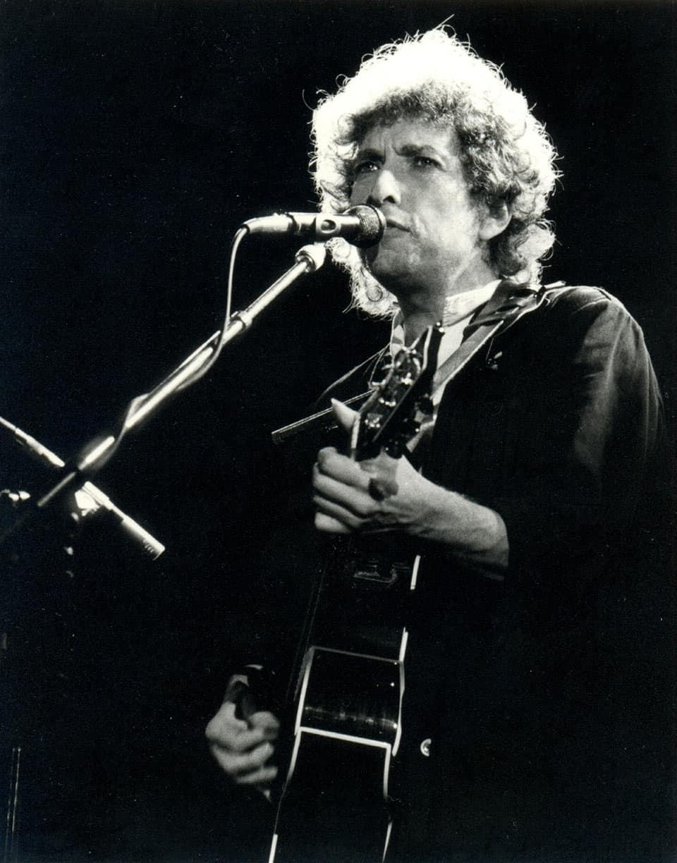 Fotografía: Bob Dylan; por Xavier Badosa en Flickr. Utilizada bajo la Licencia Creative Commons Attribution 2.0 Generic.