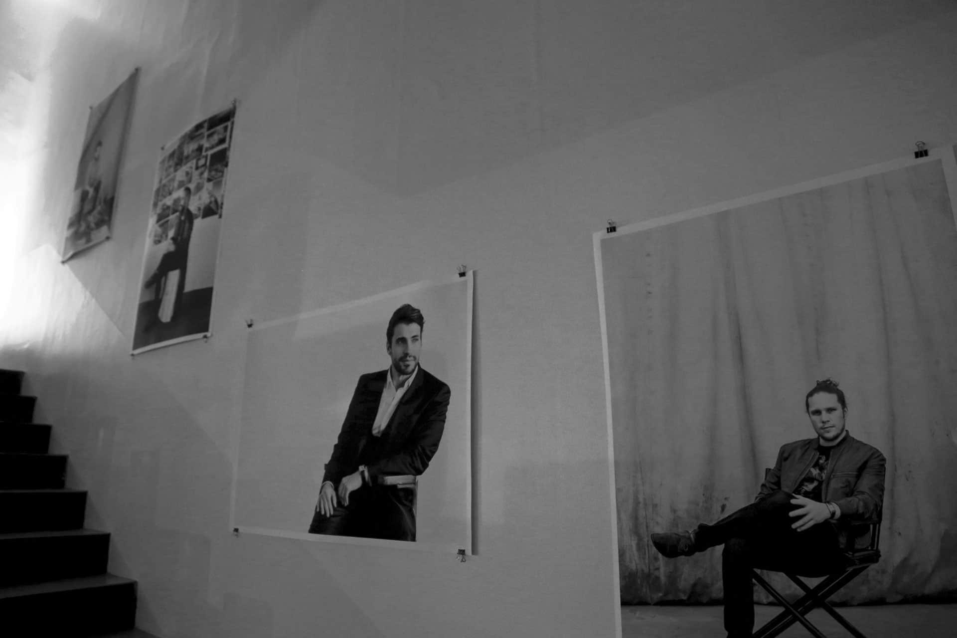 Exhibición de los retratos de los homenajeados en e_spacio Travesías.