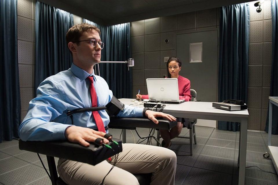Joseph Gordon-Levitt como Edward Snowden