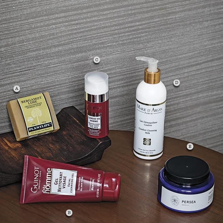 Ingredientes naturales para cuidar la piel del hombre, int