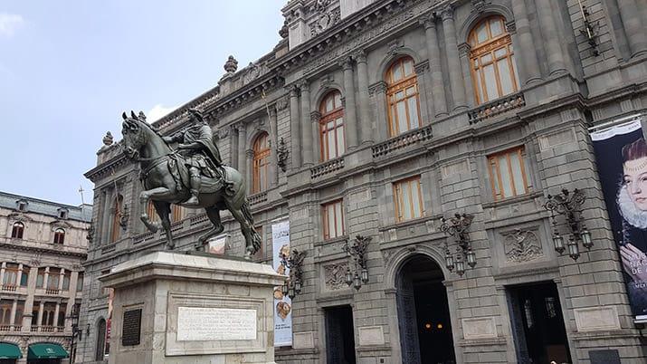 tzompantli centro histórico ciudad de méxico excavaciones guatemala, sofia 2