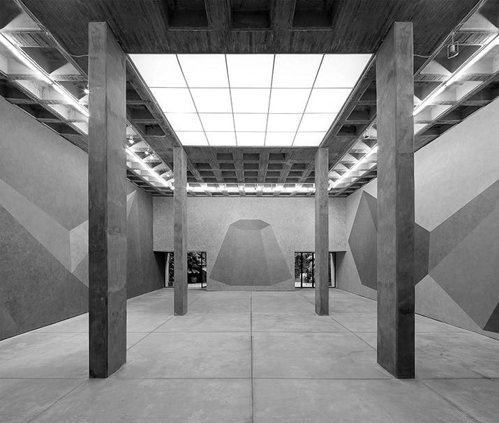 sol lewitt Instructions for a pyramid en galeria omr