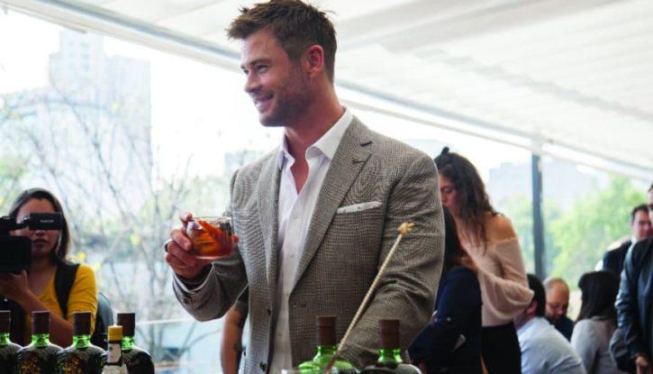 Chris Hemsworth en alianza con Buchanan's