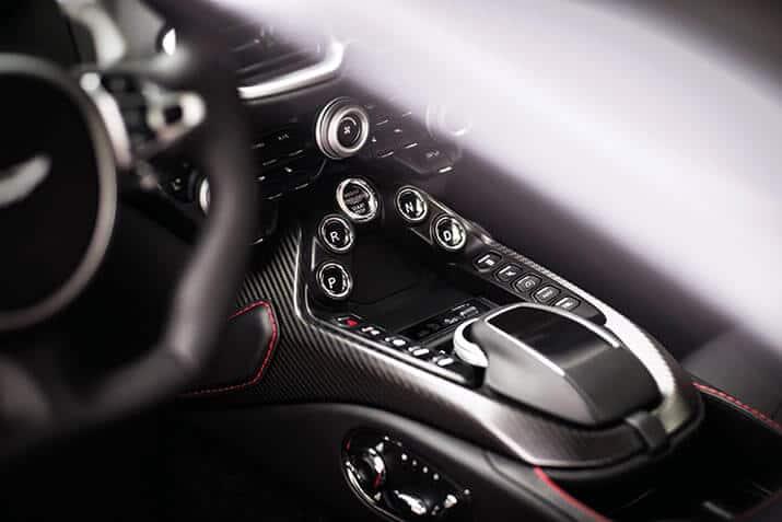 Aston Martin Vantage, int1