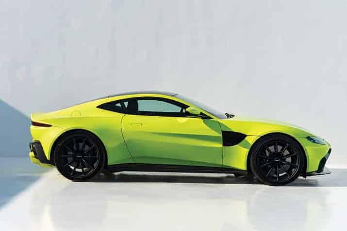 Aston Martin Vantage, int3