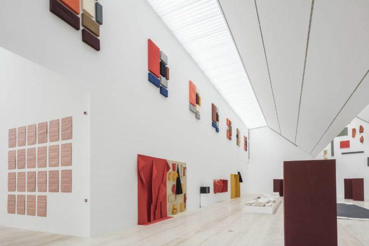 Exposición Franz Erhard Walther, int1