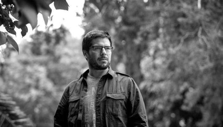 Dejaras la tierra Renato Cisneros, int1