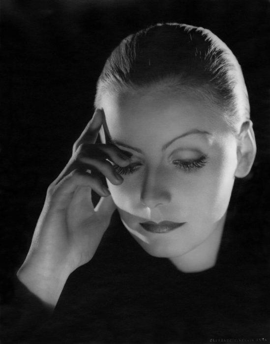 Greta Garbo, int1