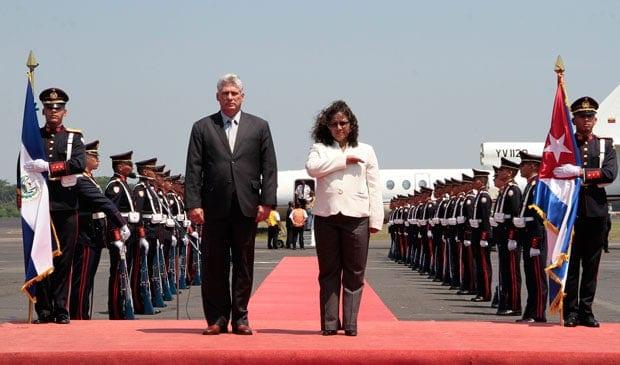 Miguel Diaz Canel y Liduvina Magarin
