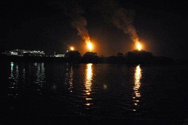 Mecheros en refinería Dos Bocas