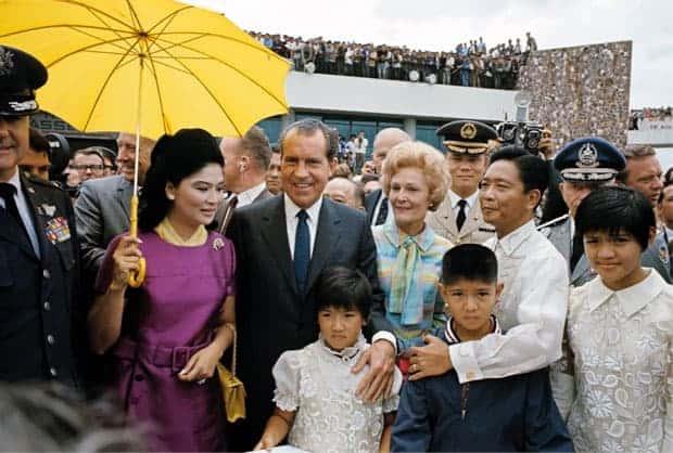 Richard Nixon con la familia Marcos