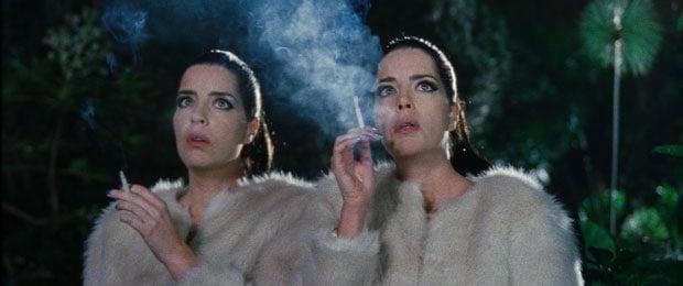 Las hermanas gemelas de Diamantino.