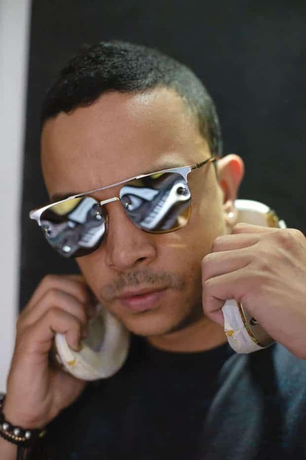Entrevista al productor Alexander DJ en su estudio del barrio El Poblado.