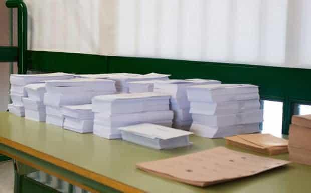 28 abril de 2019: Elecciones Generales Españolas, papeletas de votación, Colegio Luis Buñuel, Málaga gobierno de coalición en España