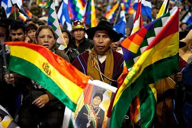 Grupos indígenas apoyan a Evo Morales.