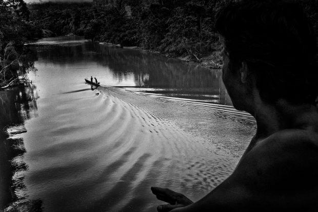 Resistencia en el Amazonas:Un ensayo fotográfico de Nicola Ókin