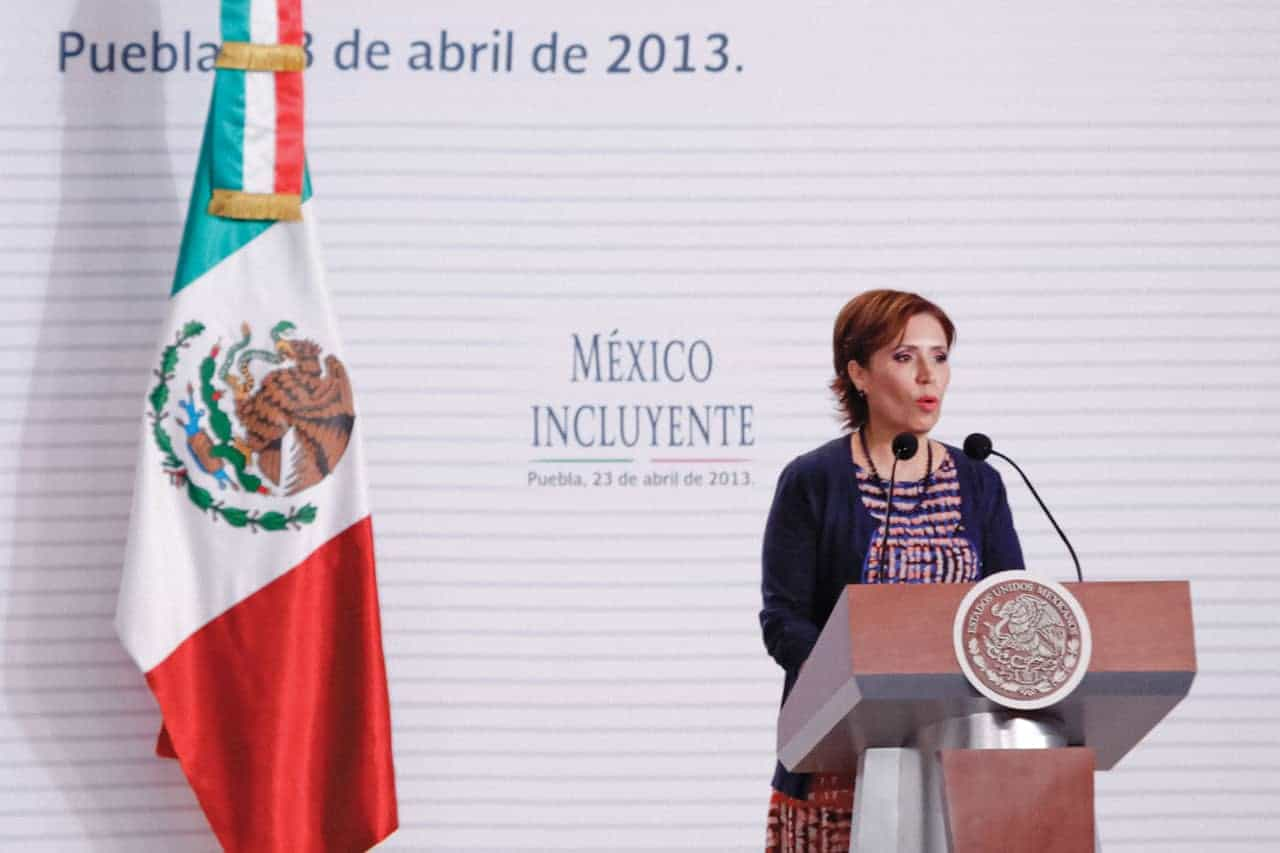 Rosario Robles durante el Foro México Incluyente, como secretaria de Desarrollo Social, en la ciudad de Puebla en 2013.