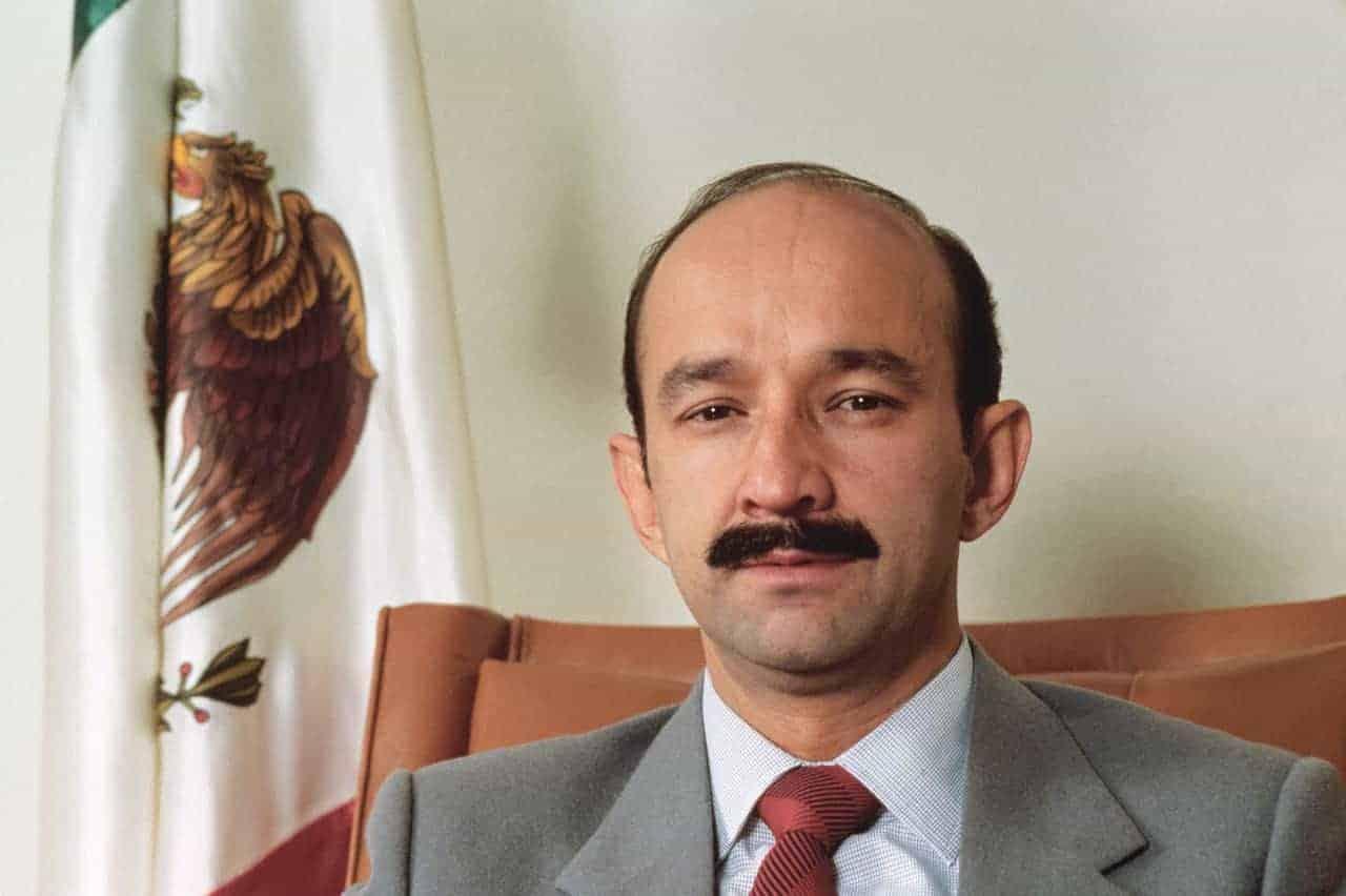 El expresidente Carlos Salinas de Gortari pidió a Carlos Ahumada que le presentara a Rosario Robles. Ella accedió hasta que estuvo fuera del PRD.