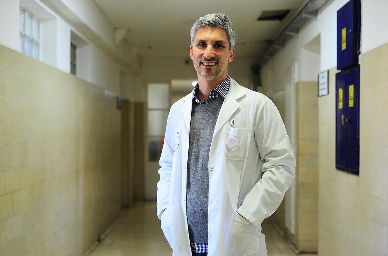 doctor Gonzalo Pérez Marc estudio de plasma covid 19 buenos aires argentina