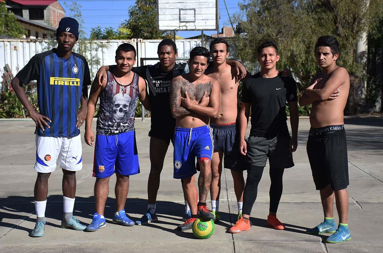 futbolistas-colombianos-atrapados-en-bolivia-pandemia-covid-19 1