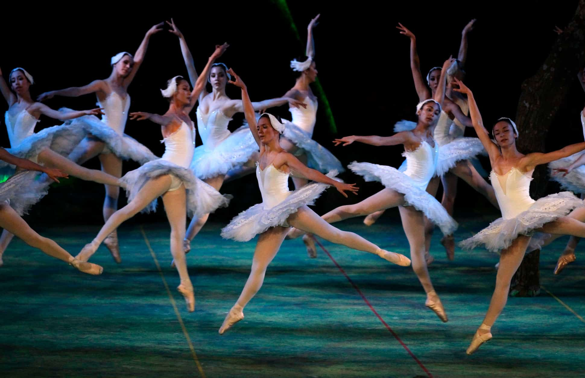 resistir-el-dolor-sin-quejarse-asi-es-el-mundo-del-ballet 3