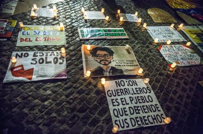 Madres de jóvenes desaparecidos por las fuerzas militares en Colombia forman el grupo Mafapo.