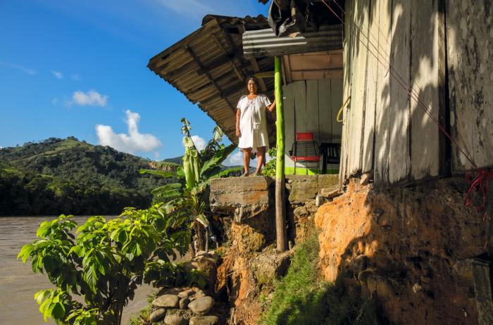 Los errores constructivos en Hidroituango pusieron en riesgo a miles de campesinos, pescadores y mineros artesanales que viven del Cauca.