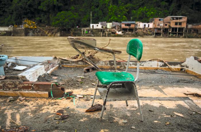 Un error de ingeniería en la represa de Hidroituango en Colombia provocó una fuerte inundación en un poblado a orillas del río Cauca.