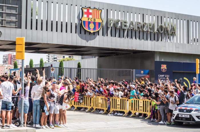 La salida del Barça de Lionel Messi, reconocido como el mejor jugador del mundo, significa el fin de una época, y este texto la revisa a profundidad.