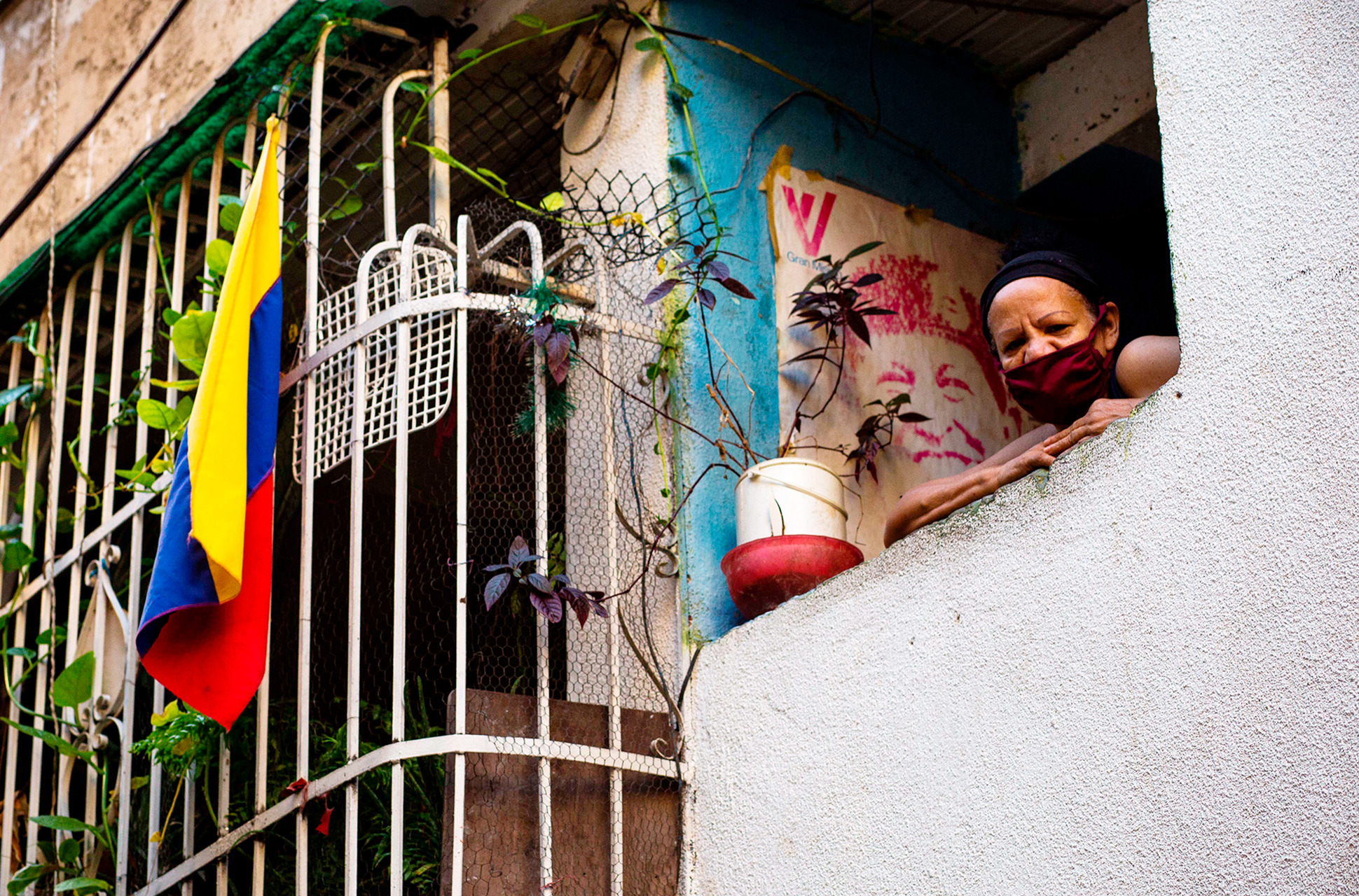 bus tv Seguiremos_informando_El_Bus_TV_el_periodismo_en_Venezuela_que_vence_la_censura_Liza_López_Reportajes_Gatopardo_216 3